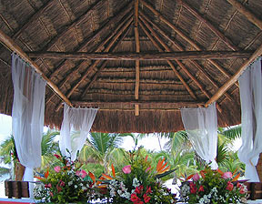 Palapa with flowers from florist