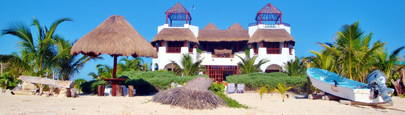 Casa Que Canta from the beach